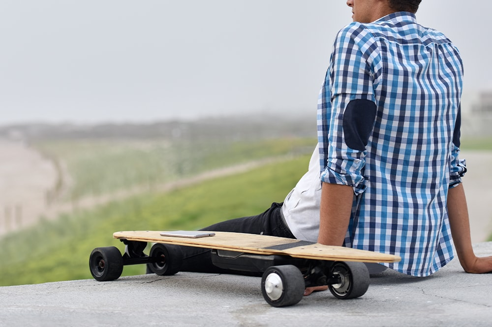 best cheap electric skateboards guide thumbnail
