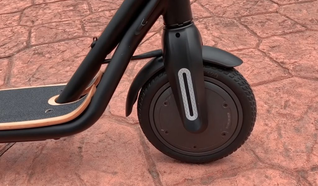 Front wheel and hub motor on FluidFreeRide CITYRIDER