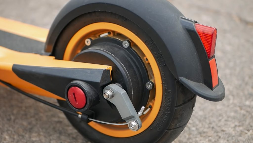 Inokim Light 2 rear tire closeup