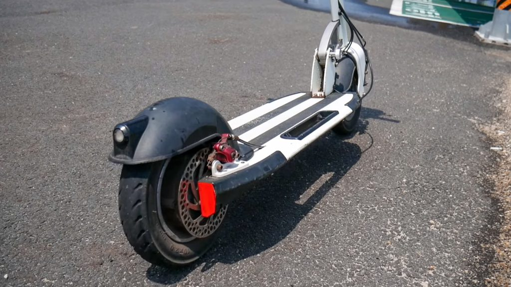 Rear tire and disc brake on INOKIM Quick 3