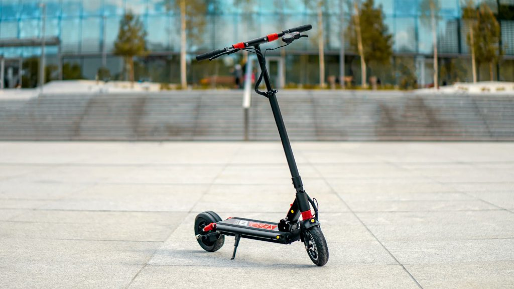 Zero 8 electric scooter in the city