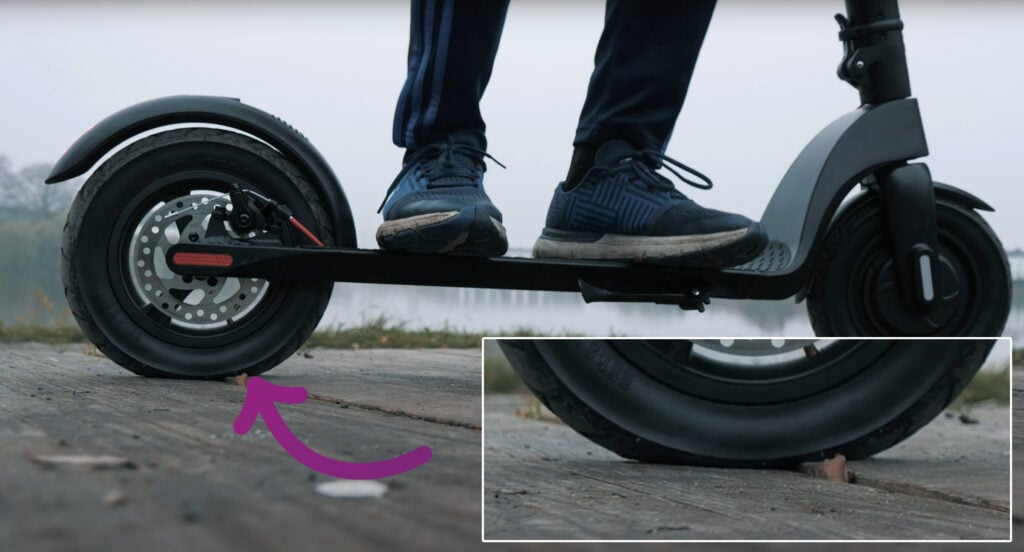 electric scooter correct tire air pressure example