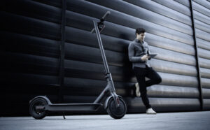 best electric scooters for commuting guide featured image